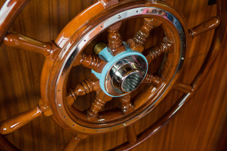 Pin di Lisa Donofrio su Yacht