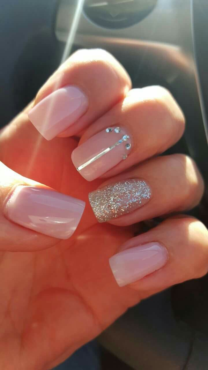Pin by Tanya Kruger on Naels | Pinterest | Glitter nail designs ...