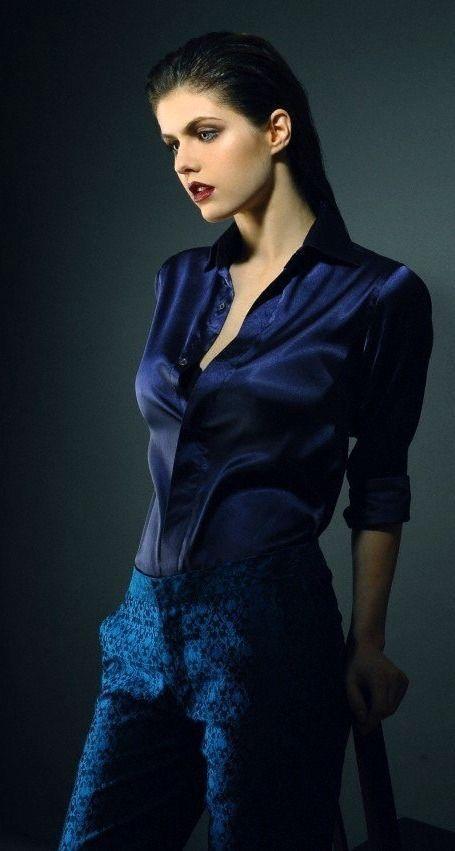 Photo of Alexandra Daddario – Wonderful Actress Mobile Wallpapers