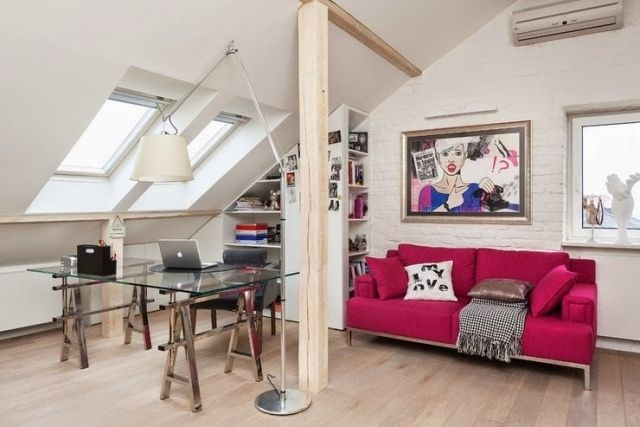 jugendzimmer ideen m dchen dachboden fuchsia farbe sofa. Black Bedroom Furniture Sets. Home Design Ideas