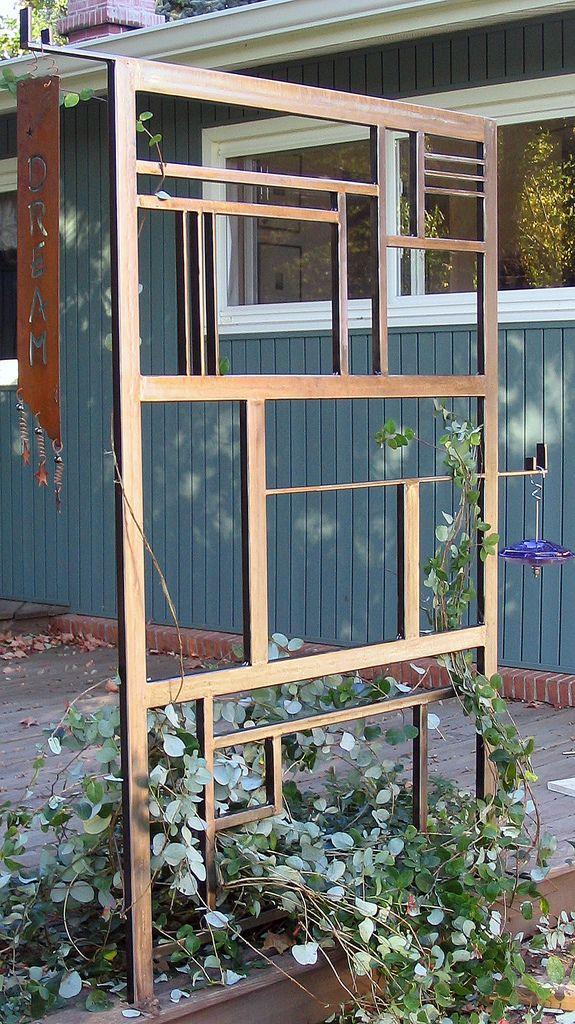 25 Best Ideas About Metal Garden Trellis On Pinterest
