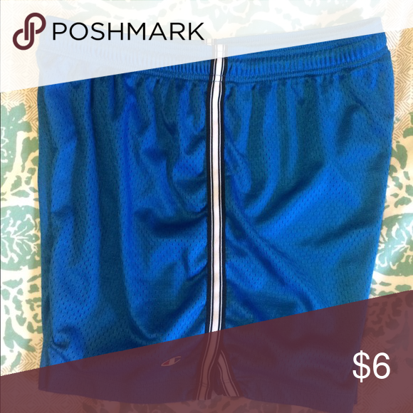 """Champion Mesh Athletic Shorts Large Champion mesh athletic shorts with stripe on side and split at hem. These shorts are lined and have a drawstring waist. Inseam 6"""". Size large. Champion Shorts"""
