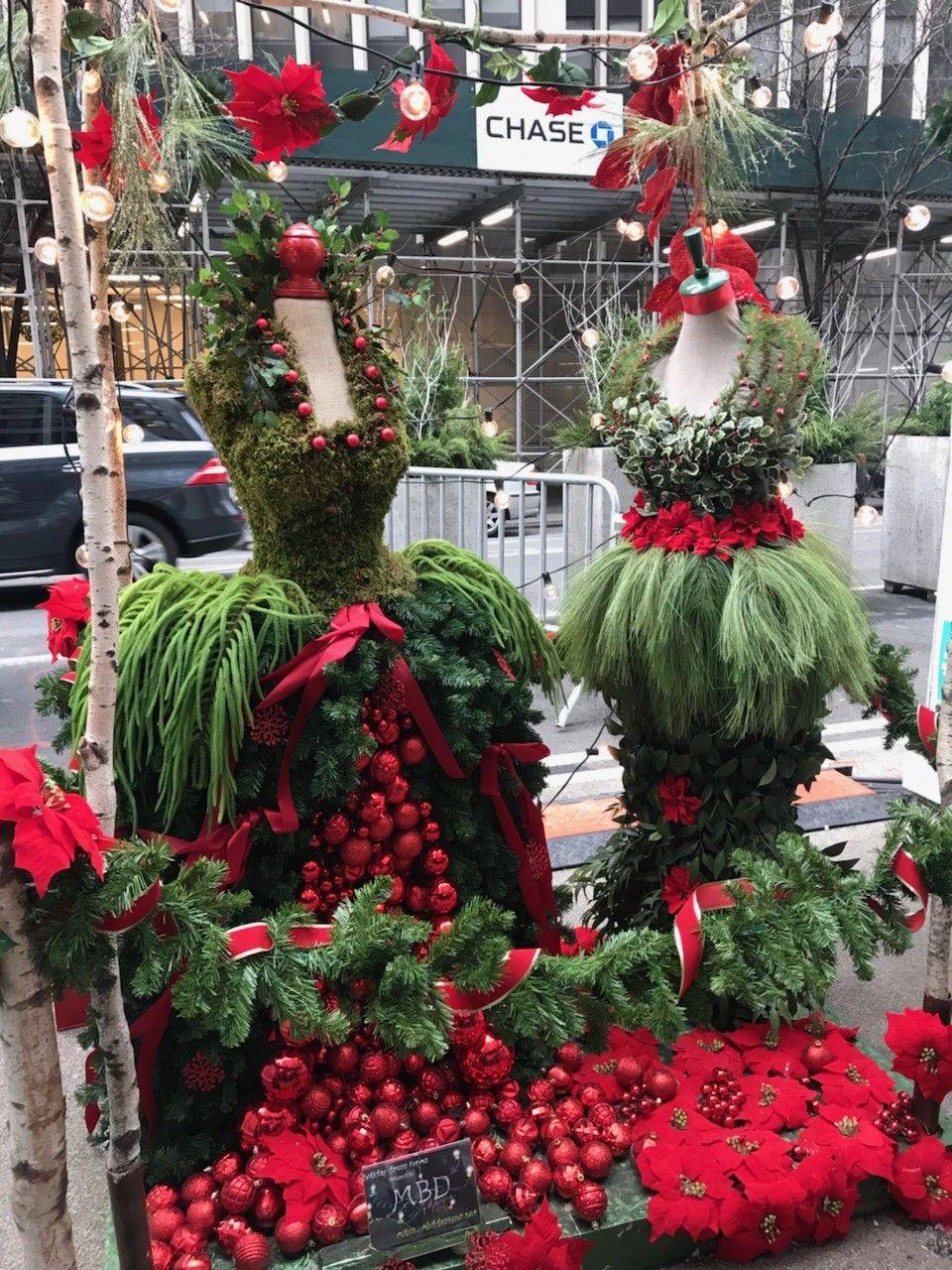 Pin van Cheryl Riddick op Christmas tree dress