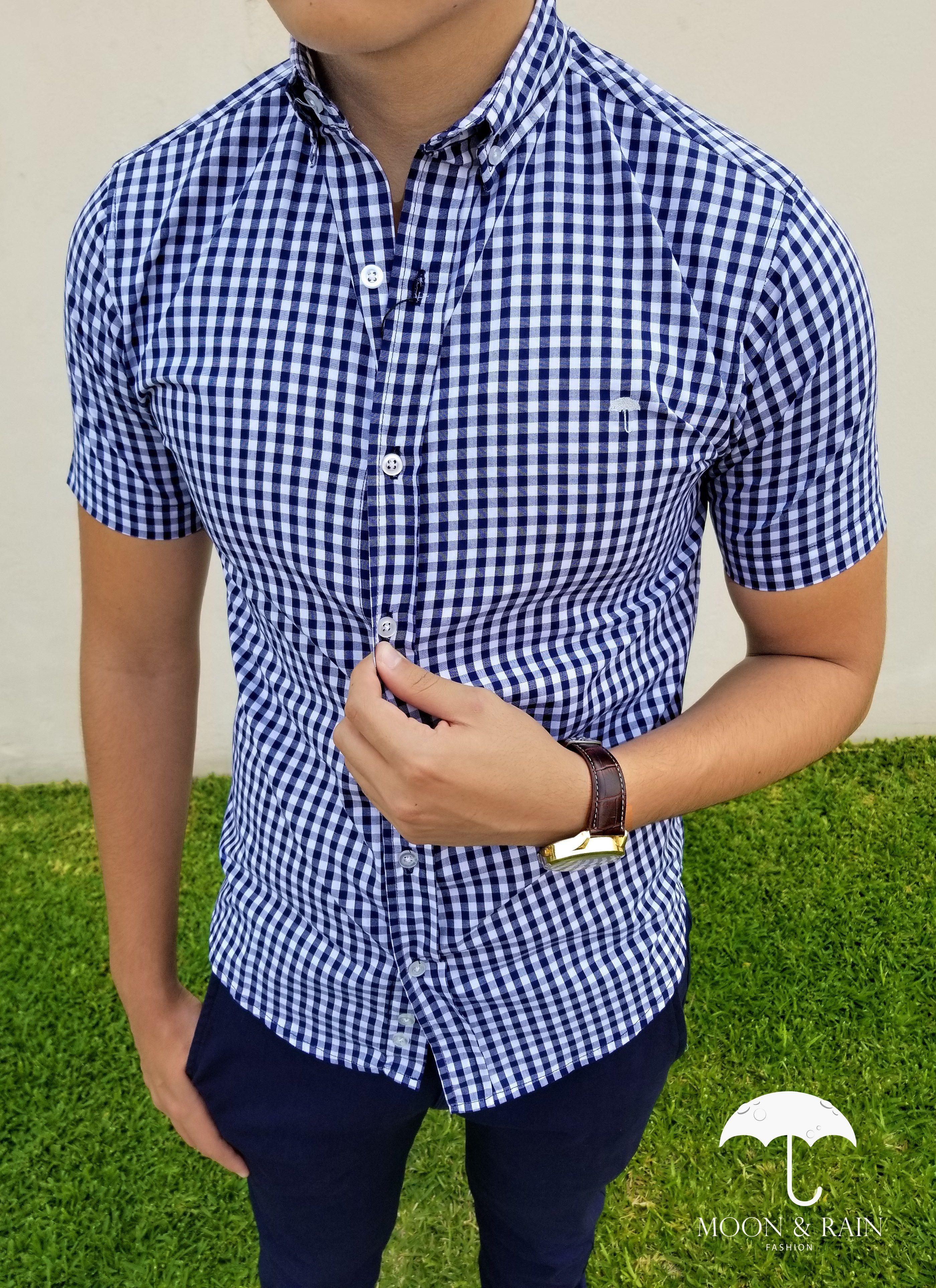 Ropa para hombre ideal para una ocasión casual y o formal  Camisa Manga  Corta Cuadros Azules y Pantalón de Vestir de la marca Moon   Rain 8f474b958f2
