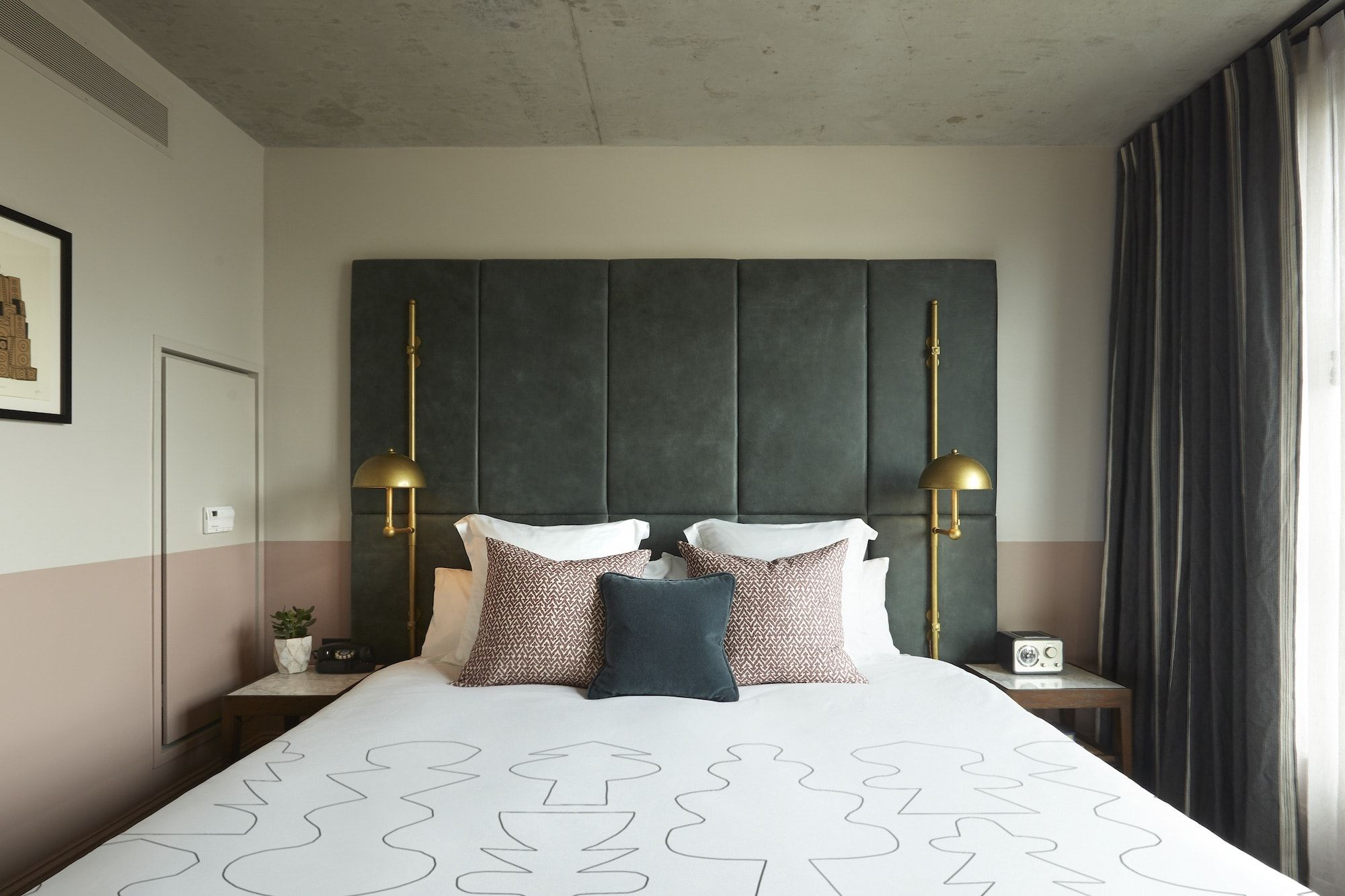 Hotels Are Taking Try Before You Buy To The Next Level Boutique Hotel Room Hotel Hoxton Hotel Room Design