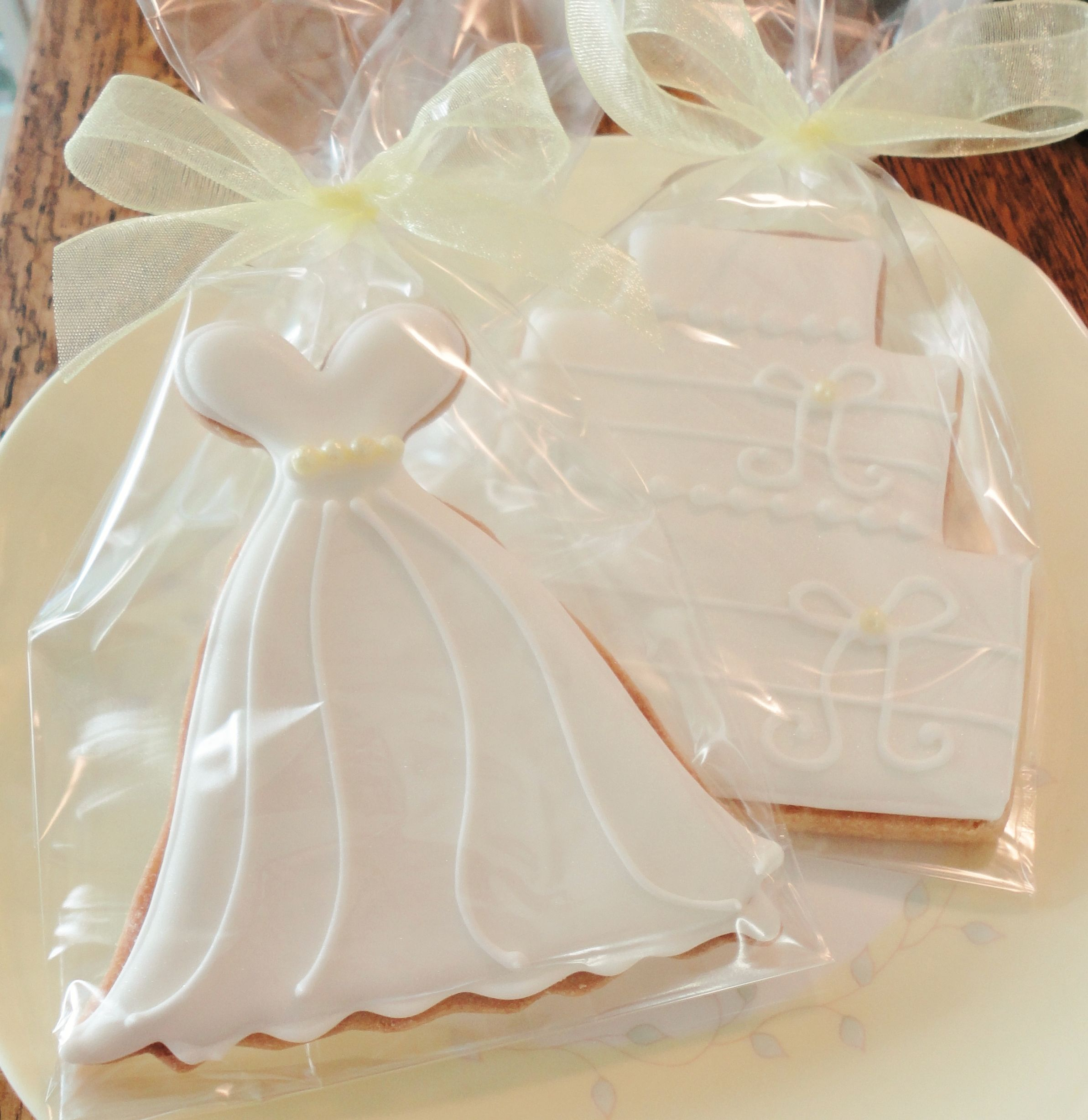 Wedding Cookies from carriescookies.com | Cookie Bridal / Wedding ...