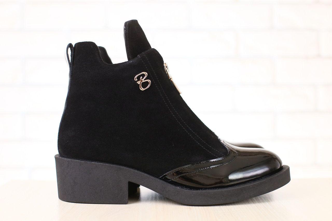 4826ac82 Код: 2772 Женские демисезонные ботинки, черные, замшевые, на байке, с  лакированным