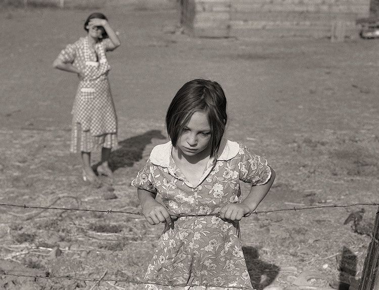 The History Place - Dorothea Lange Photo Gallery: Childhood Interrupted: Farm Security Administration Rehabilitation Clients