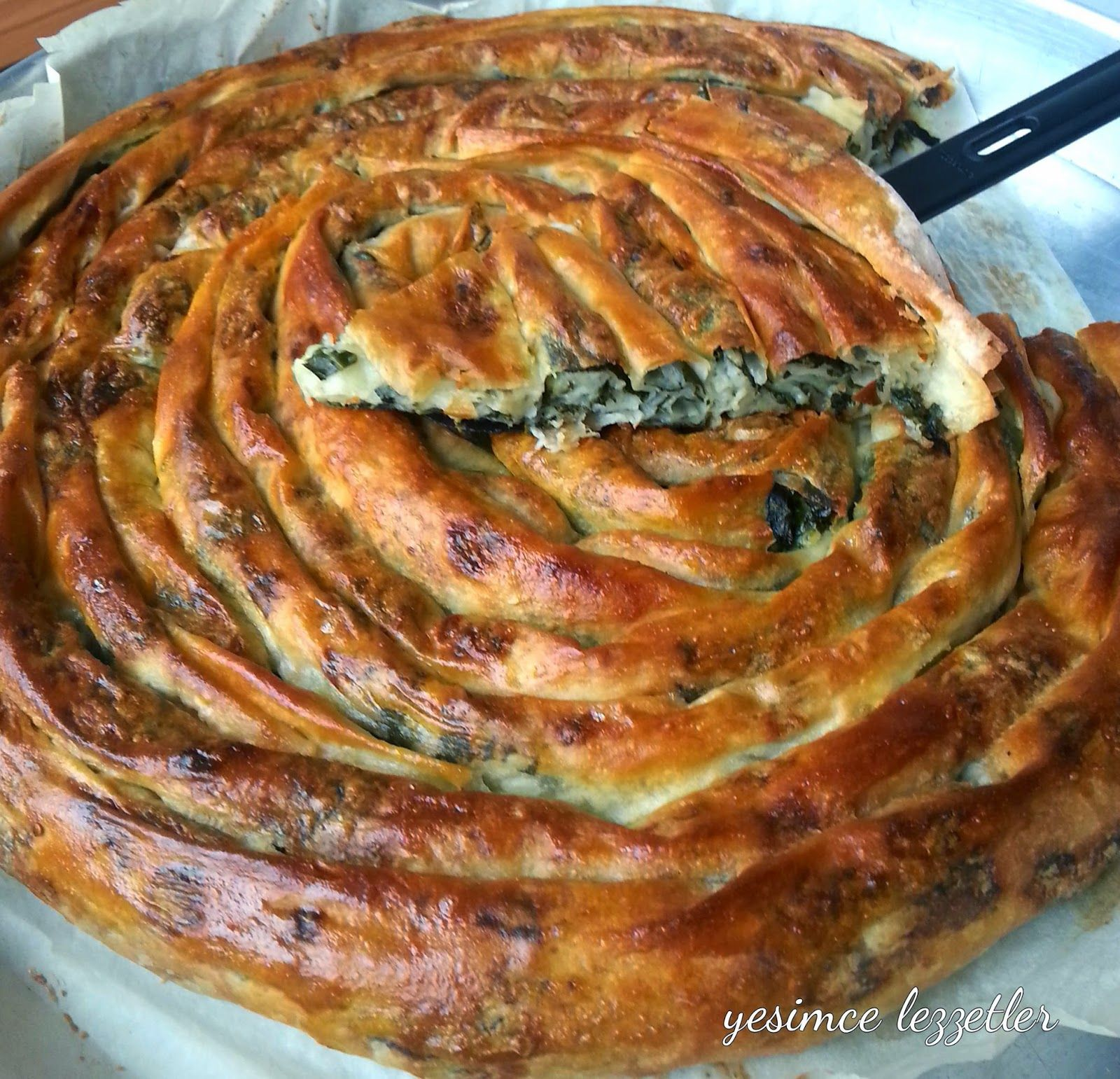 Boşnak Böreği Olarak Bilinen Çarşaf Böreği Tarifi