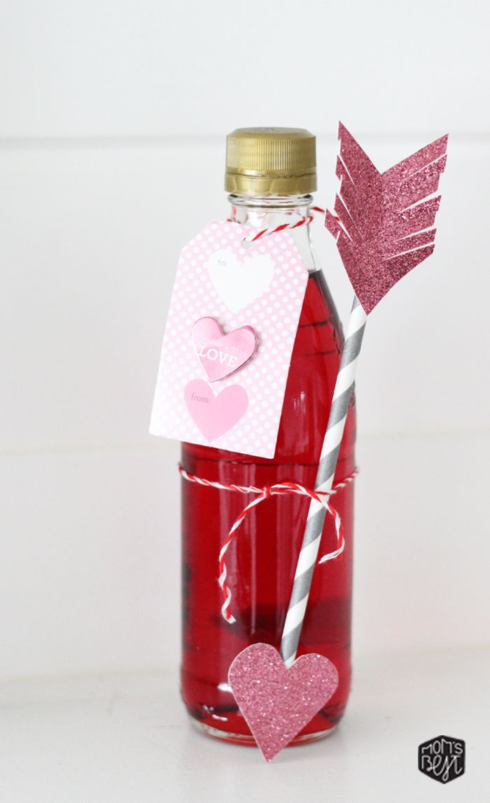 Diy Valentine Drink Tags Perfect For Your Little Valentine S Plus Free Download Of Tag Template Via Momb Valentine Drinks Valentines Diy Valentine Cocktails
