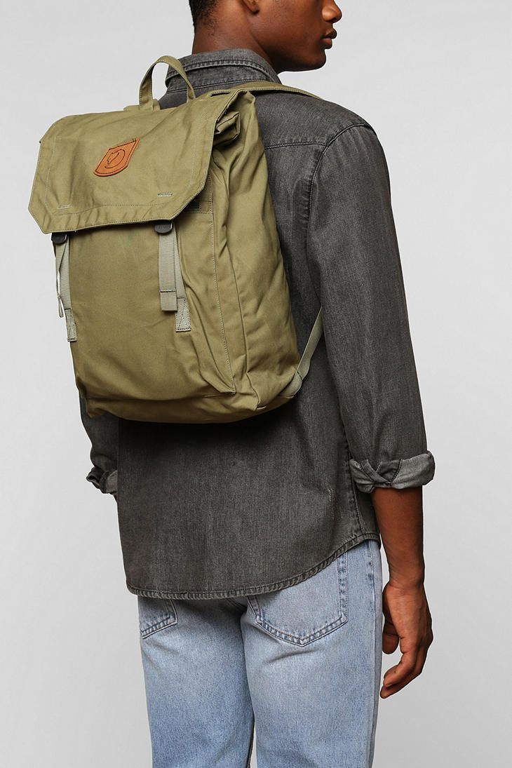 252abbd51d Fjallraven Foldsack No 1 Backpack in Green for Men