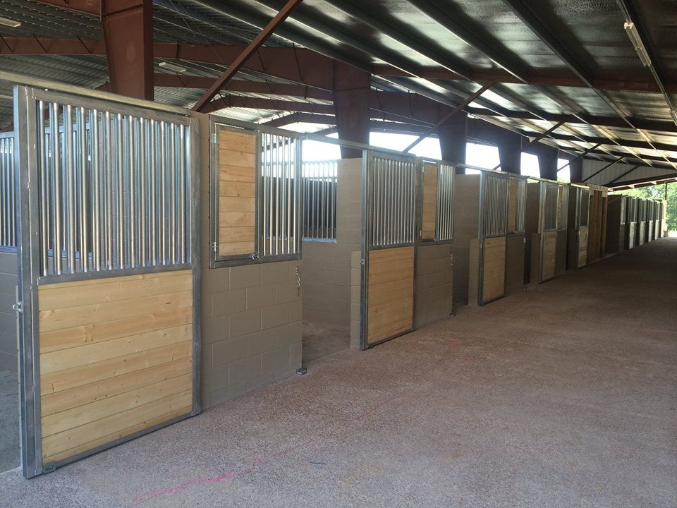 Cinder Block Stalls Barn Plans Barn Interior Dream Barn