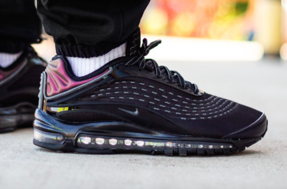 Get Ready For The Nike Air Max Deluxe Triple Black Kicksonfire Com Nike Air Max Nike Triple Black