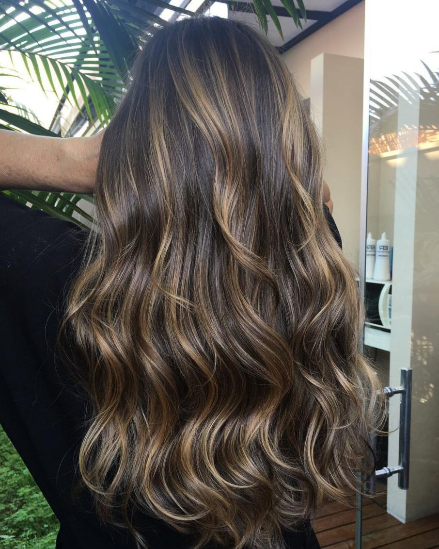 Photo of 20 Natural-Looking Brunette Balayage Styles