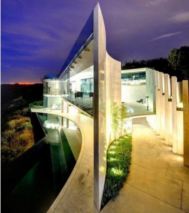 Une Superbe Maison Inspirée Par Un Papillon Sur La Côte Californienne