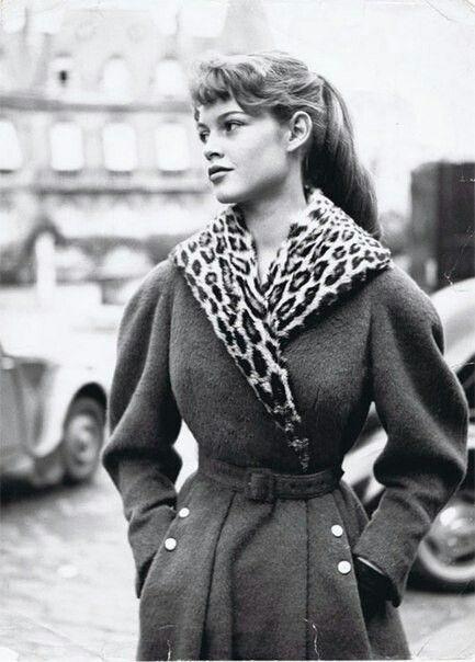 Brigitte Bardot photographed by Georges Dambier, 1952. | i c o n s ...