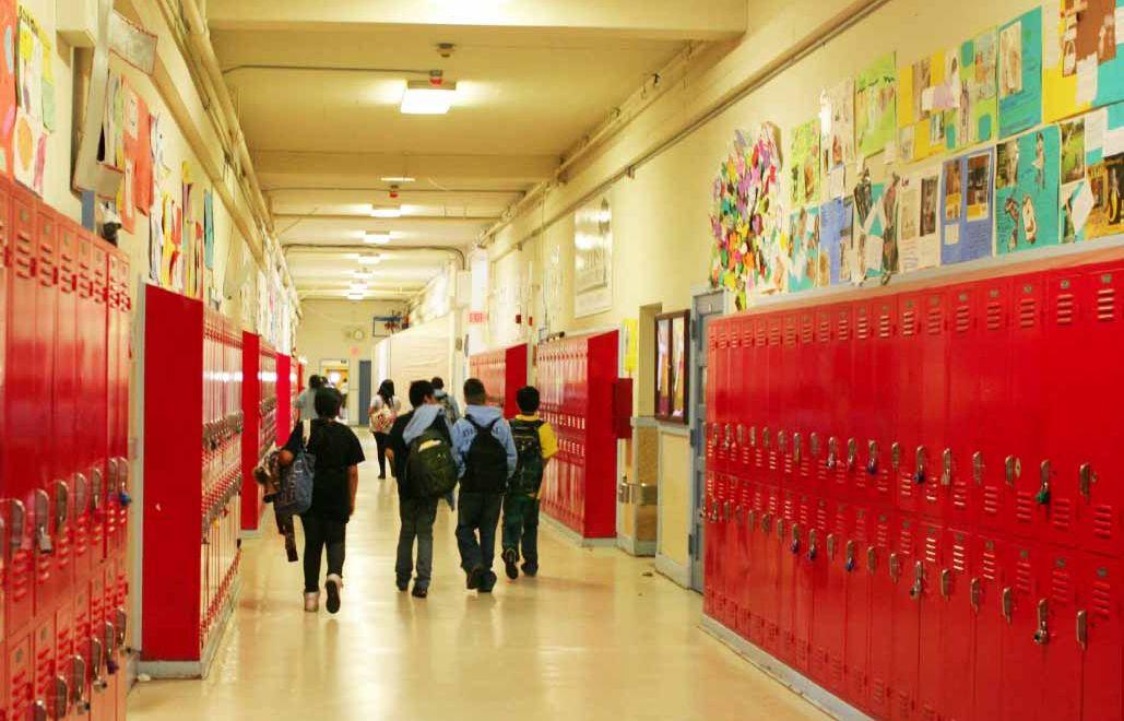 school-hallway.jpg (1029×660)