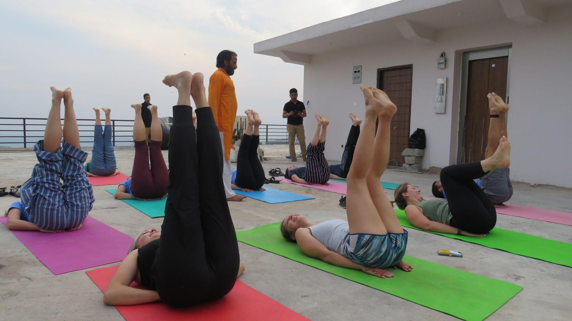 Om Yoga Ashram Give Yoga Teacher Training Dharamsala India Yoga Teacher Training 200 Hour Yoga Teacher Training Yoga Teacher Training Course