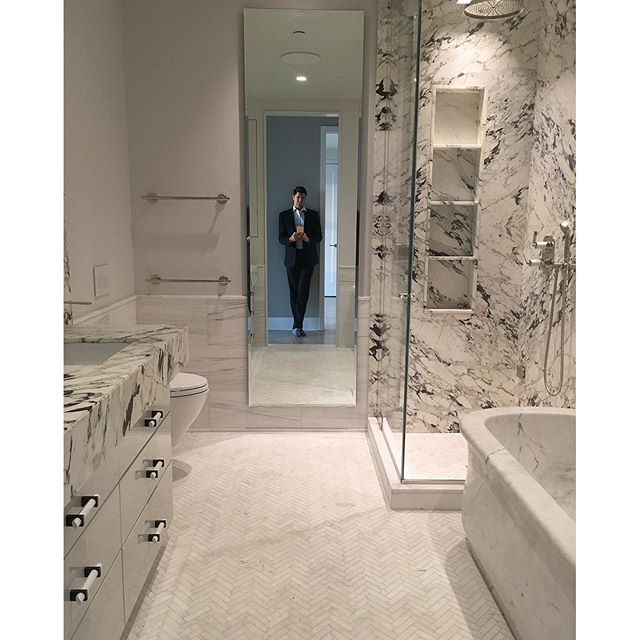 Marble bathroom (via Fredrik Eklund, Paris Forino) | bath ...