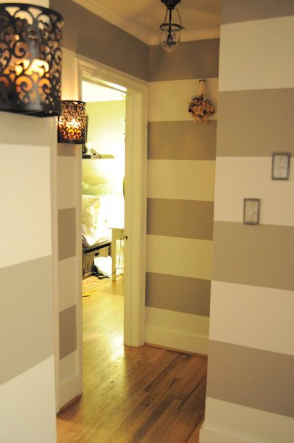 Horizontal thick-striped walls. This is nice, but I think I\'d like ...