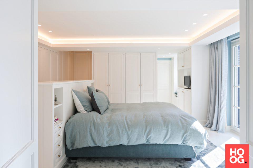 Slpaakamer inrichting met inbouwkasten | slaapkamer inspiratie ...