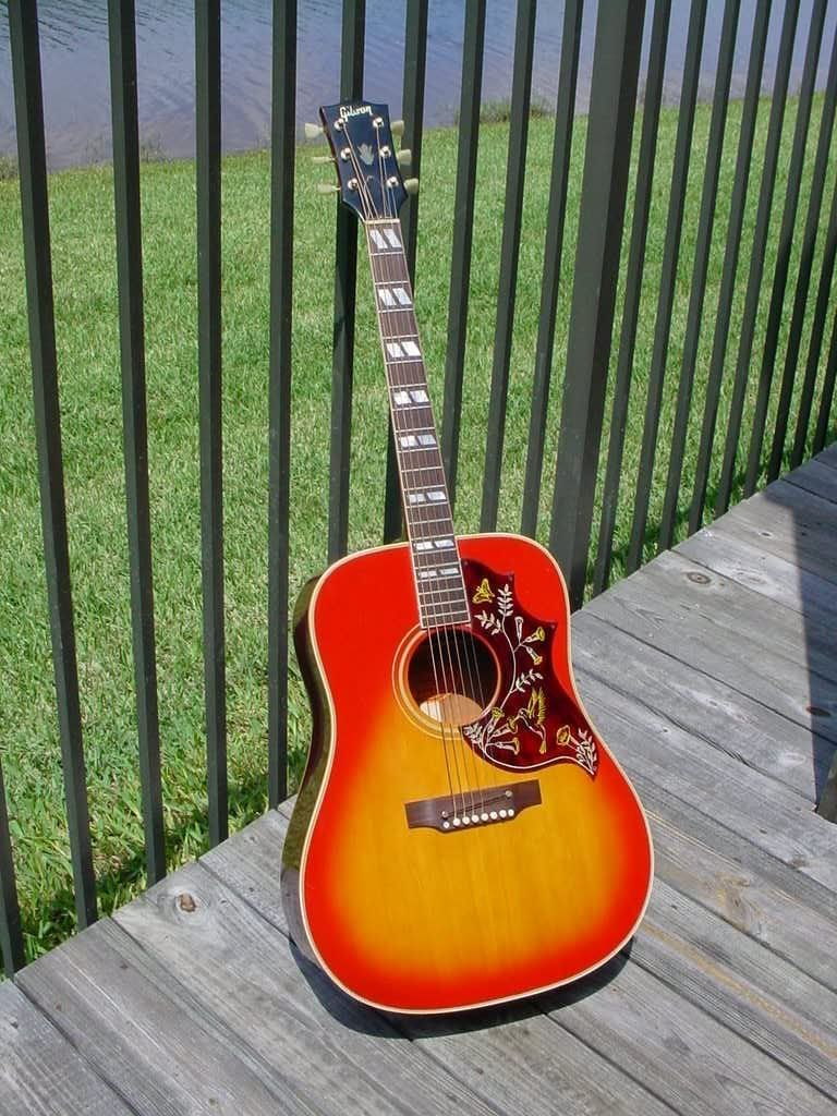 Zhivago S Vintage Hotties 1968 Gibson Hummingbird Adj Offsetguitars Com Epiphone Guitars Vintage Guitars Beautiful Guitars