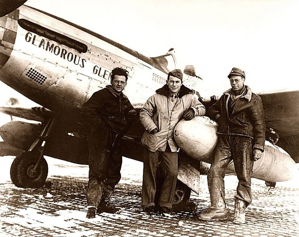 P-51D Mustang, Glamorous Glen III, Charles 'Chuck' Yeager, 363th FS, 357th  FG, 1944 | Chucks, Nose art, Elwood