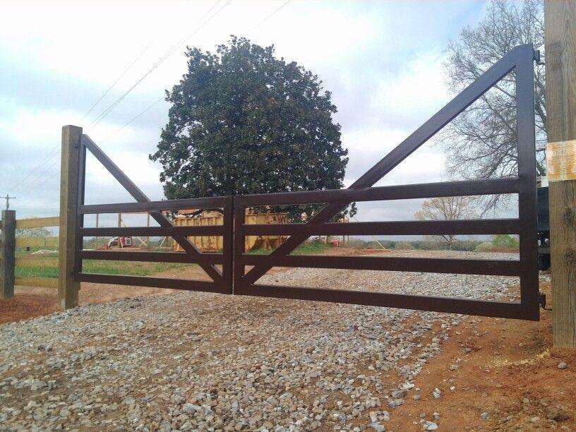 Garden Walk Buffalo Through The Garden Gates 6: 20 Ft Steel Farm Gate.