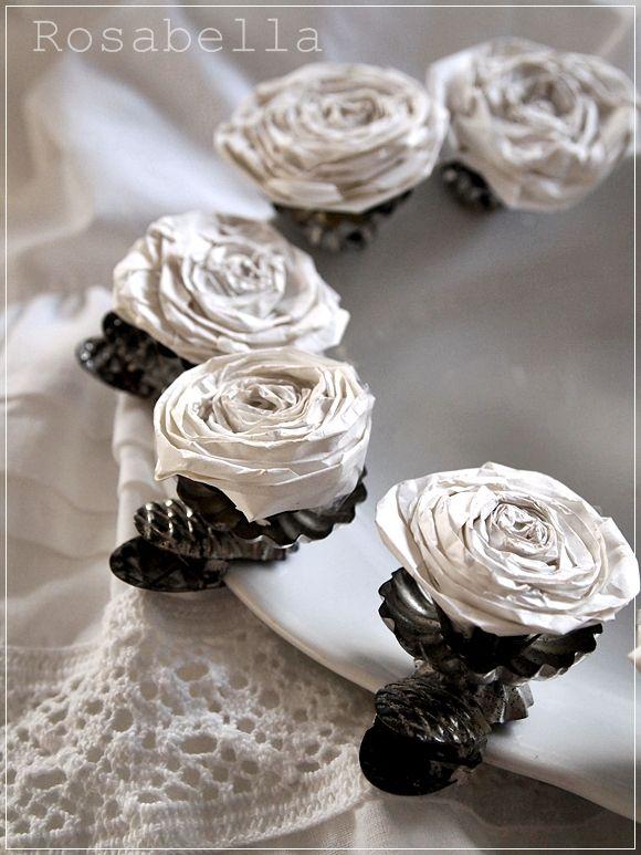 Papierblumen in kerzenhaltern decoration papier blumen und kerzen - Papierblumen selber machen ...