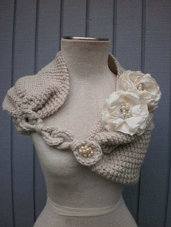 White Wedding Bolero Jacket White Knitted Capelet Bridal Cape White Wedding Wrap Bridal Shawl Cover Up Bridesmaid Jacket White and Peach