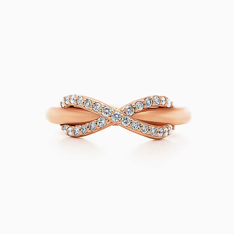 Tiffany Infinity ring in 18k rose gold with diamonds.   Accessoires ...