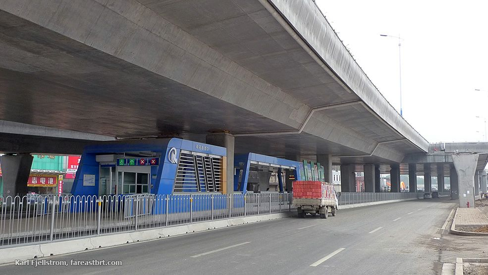 Jinan, elevated roads, BRT stations
