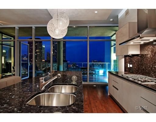 Someday I Want To Live In The Sky Overlooking The Beautiful Downtown Chicago  Skyline. City ApartmentsLuxury ...