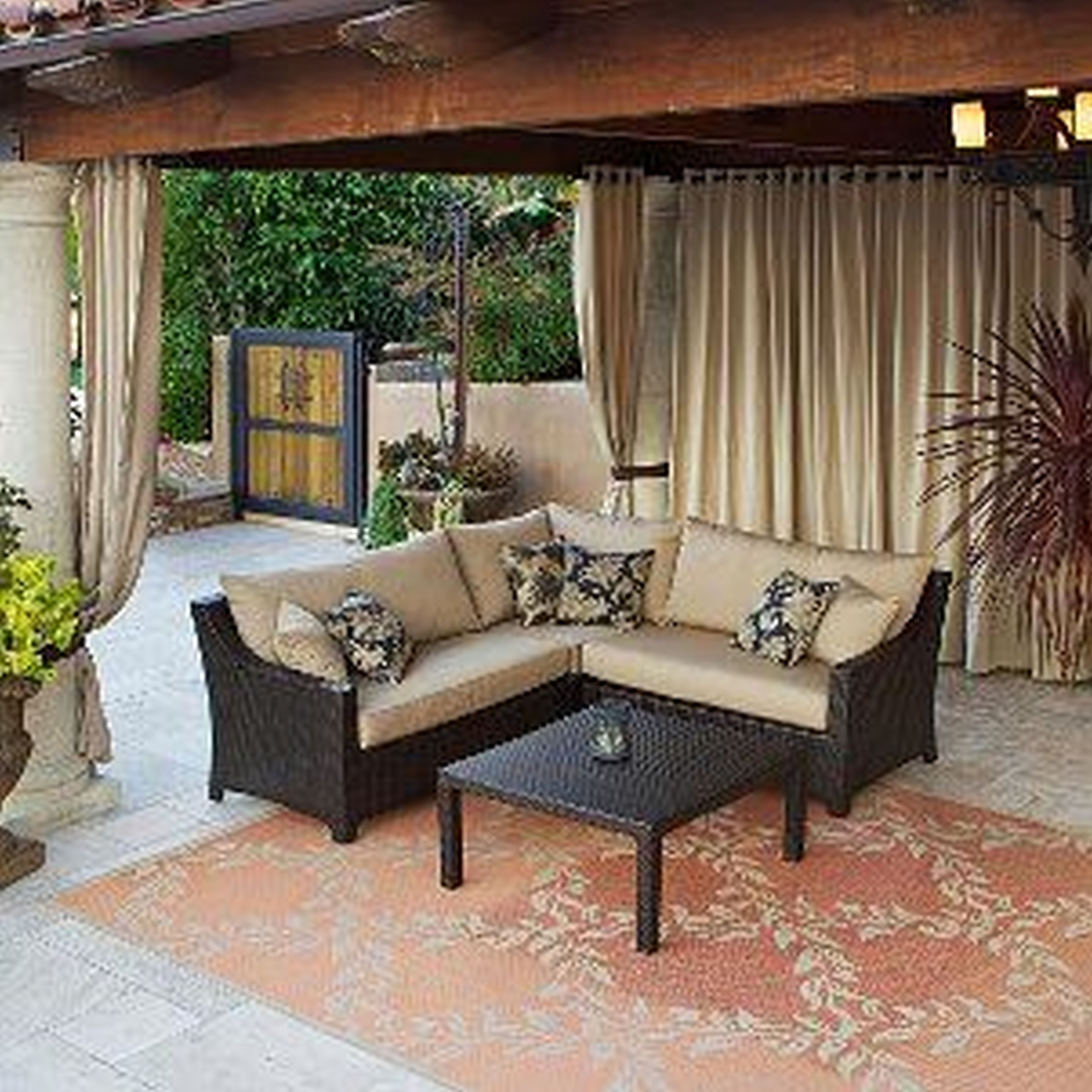 Large Outdoor Patio Rugs