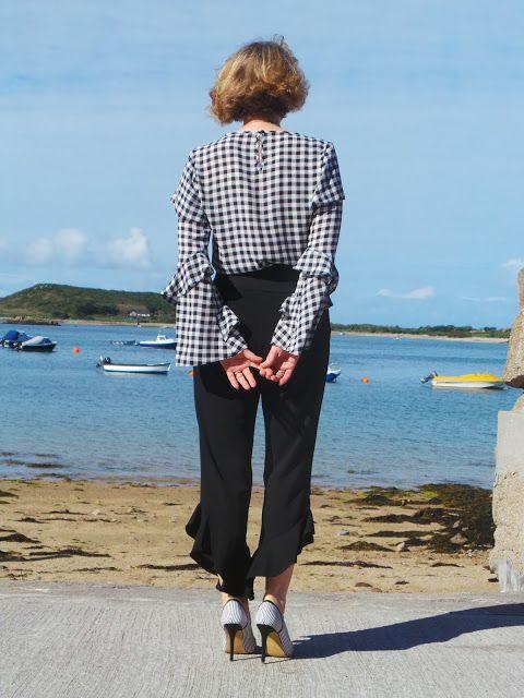 Anna's Island Style: Black trouser challenge 2