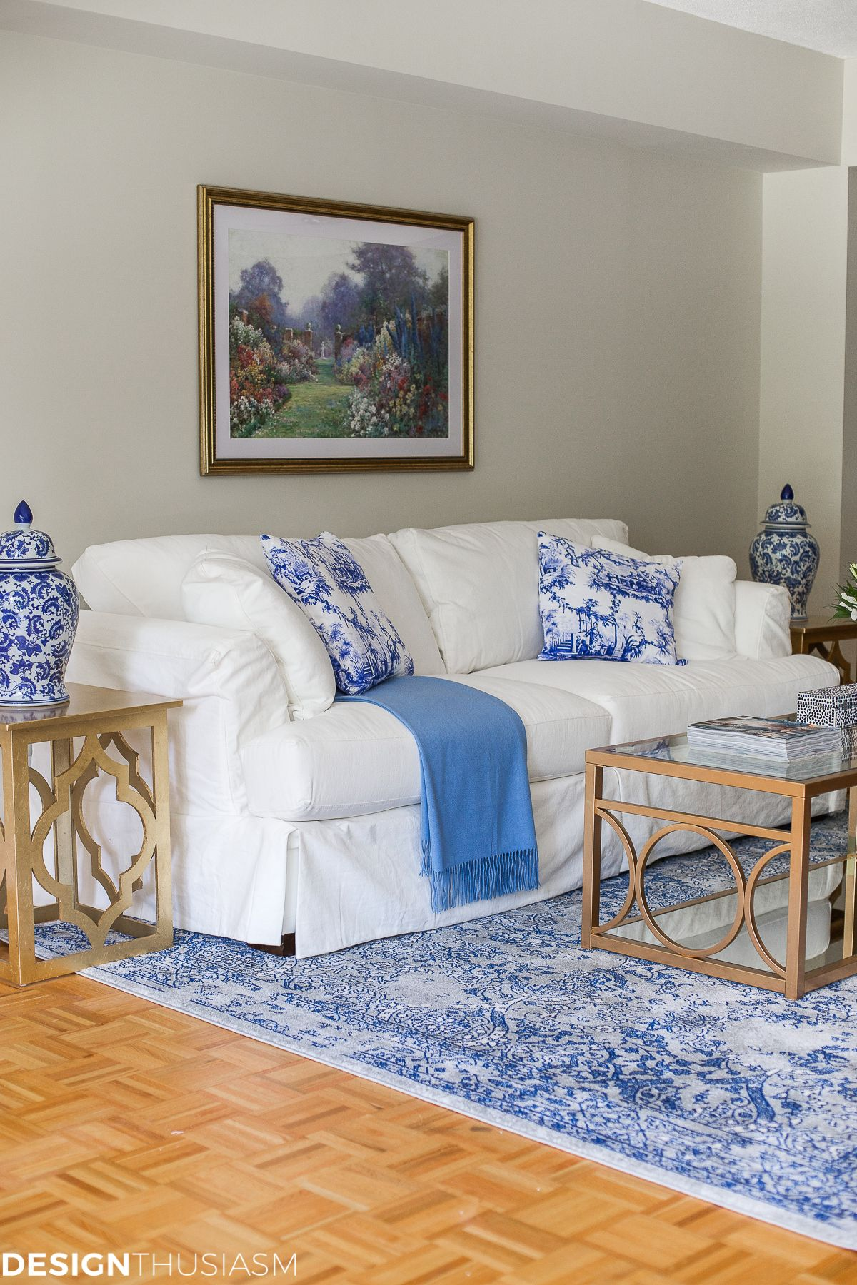 Blue and White Decor: Maintaining Your Style When ...