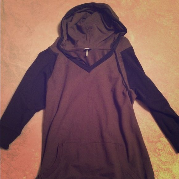 Bobi 3/4 Sleeve Hoodie Bobi 3/4 sleeve hoodie, only worn a couple times, size: small, color: olive green and black Bobi Tops Sweatshirts & Hoodies