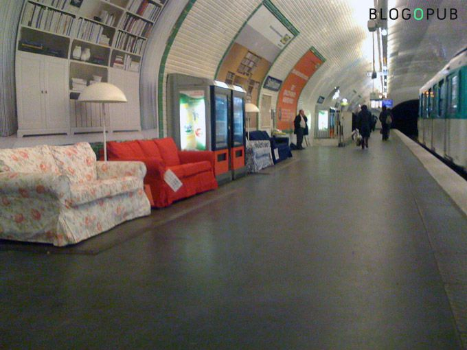 Ikea Installe Ses Canapes Dans Le Metro Ikea Decoration Interieure Et Decoration Interieure Et Exterieure