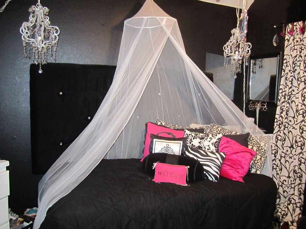 Teen bling hollywood glam bedroom for the girly girl with for Girly bedroom decor