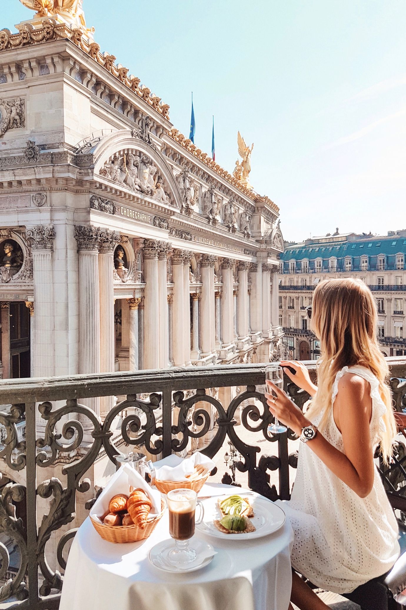 Breakfast time  Paris: http://www.ohhcouture.com/2017/06/monday-update-49/ #leoniehanne #ohhcouture