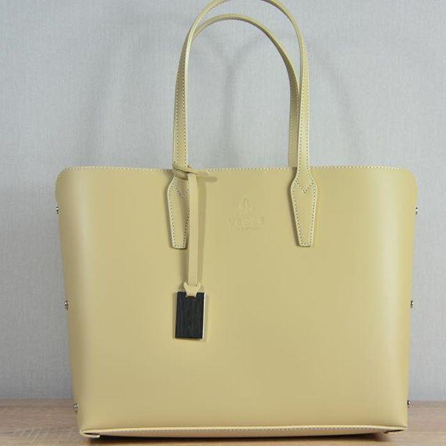 #сумки #женскиесумки #кожаныесумки #купитьсумку #женскиесумкиоптом #женскиесумкиукраина #женскиесумочки #рюкзак #женскиерюкзаки #кожаныерюкзаки #купитьрюкзак @http://italianbags.prom.ua