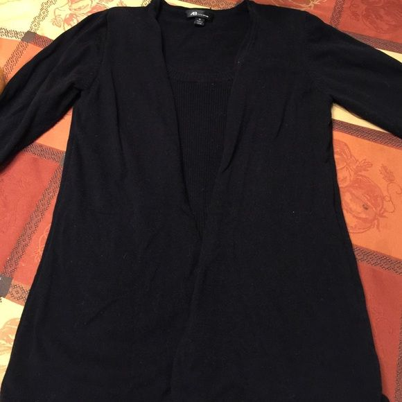 Black Sweater Gently used, super cute black sweater with 3/4 sleeves! Great for the office! Trades -will bundle AB Studio Sweaters Crew & Scoop Necks