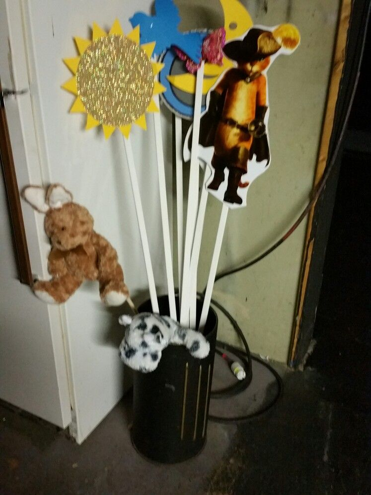 Bunny And Cow That Gets Tossed Over The Moon Shrek Props Cow