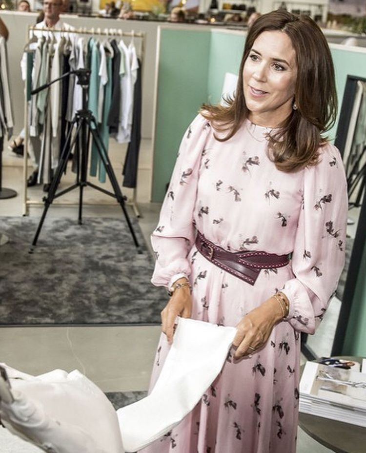 08 08 2018 Crown Princess Mary Attended Wednesday Afternoon Design School Kolding And The Royal Danish Ac Princess Mary Crown Princess Mary Danish Royal Family