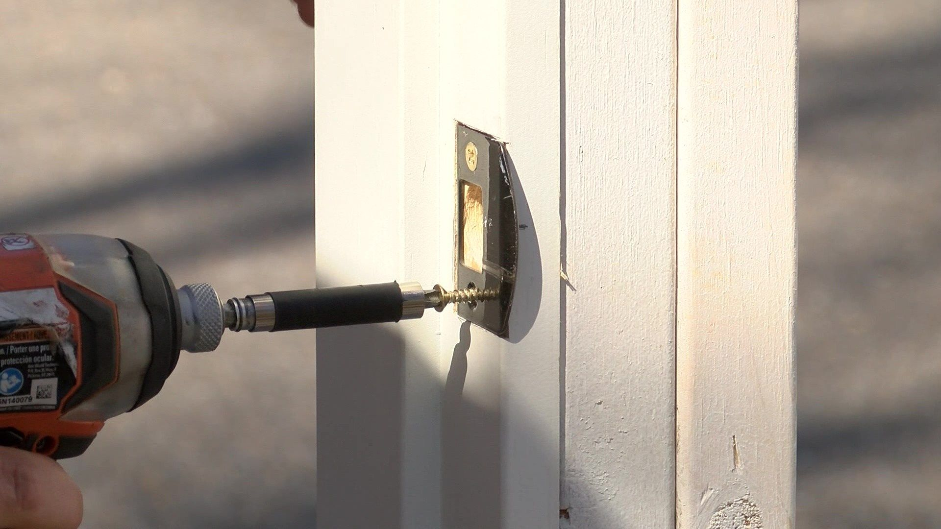 how to lock a door knob without a lock
