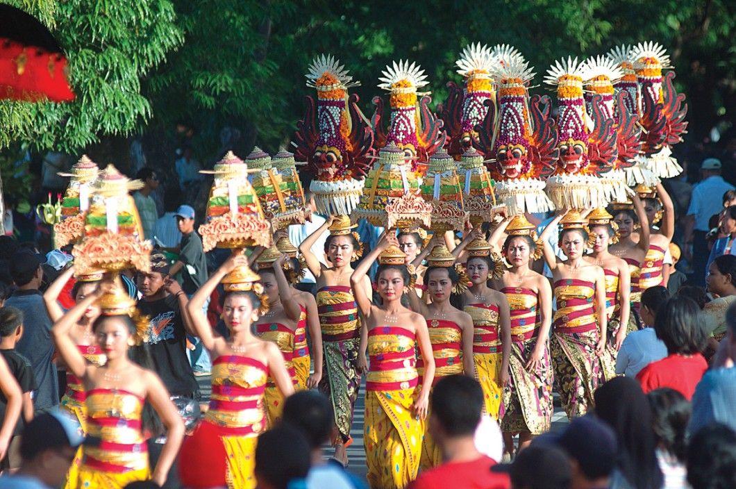 Indonesia | Places You Should Visit In Indonesia - Jakarta, Sulawesi, Bali, Lombok, Sunda kelapa, Old Batavia, Ujung Pandang, Pare Pare, The Gereja Sion church, The zoo