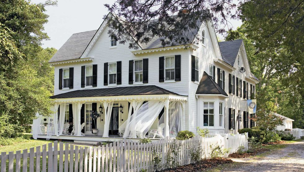 50 Curb Appeal Secrets That Will Add Major Charm To Your Home Farmhouse Style Exterior Pretty House My Dream Home