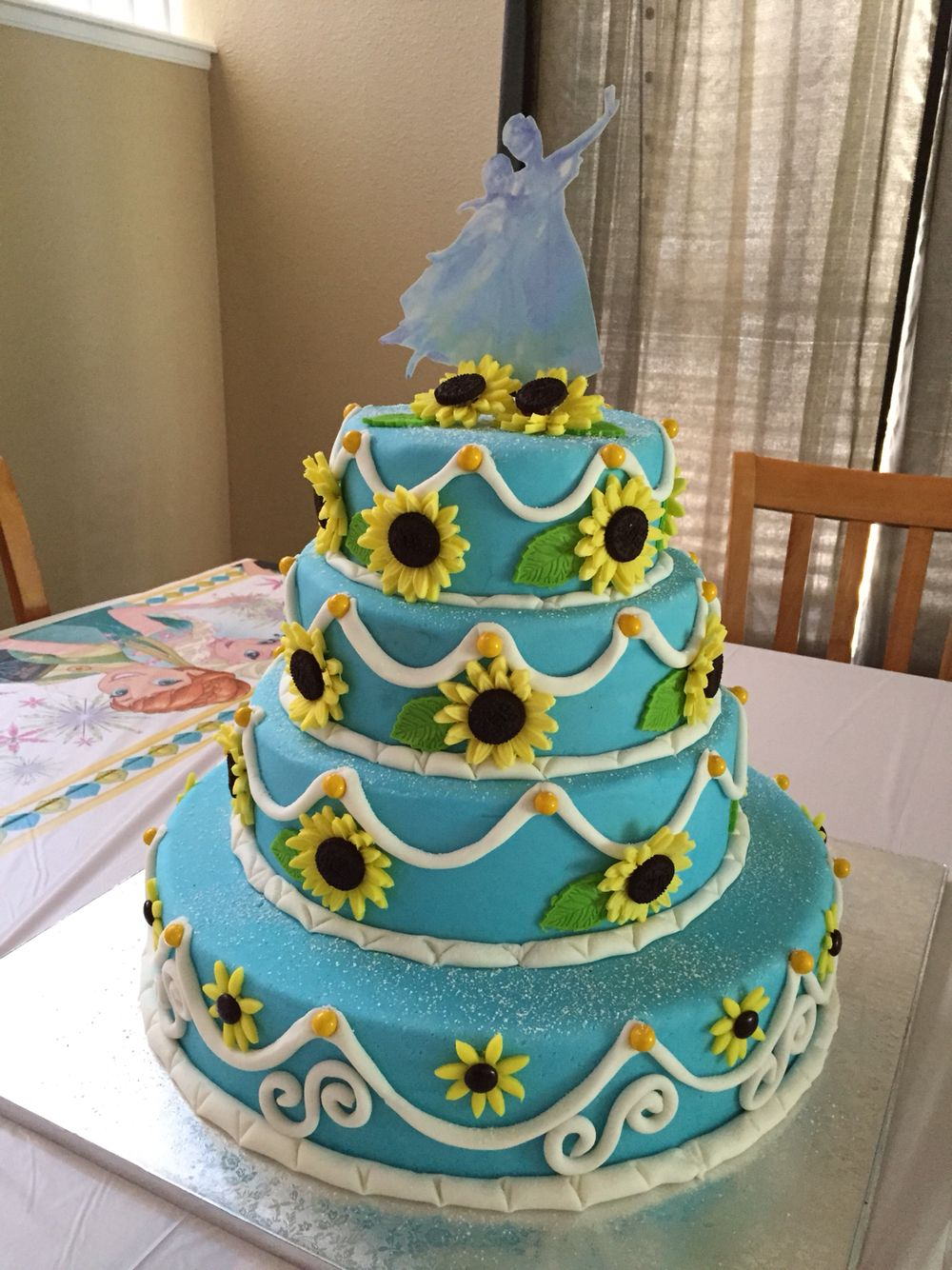 Frozen Fever Cake for my daughter's 5th Birthday Tortas