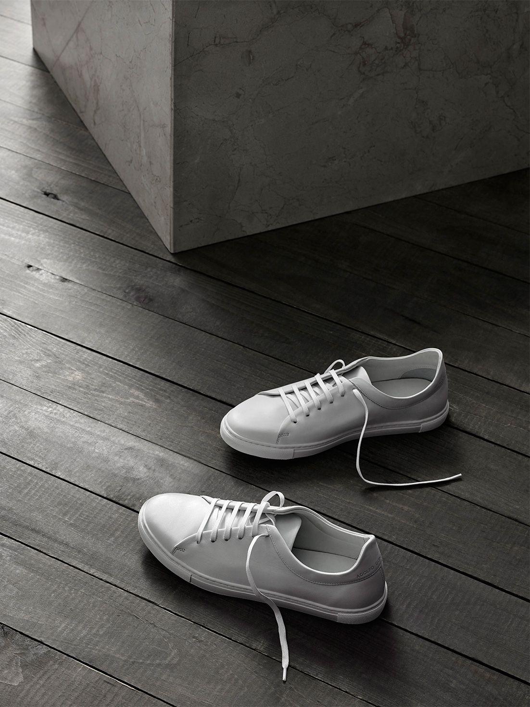 new product 72dd9 c8e59 Zapatillas deportivas blancas – Moda Otoño invierno 2016-17 – Adolfo  Dominguez Online