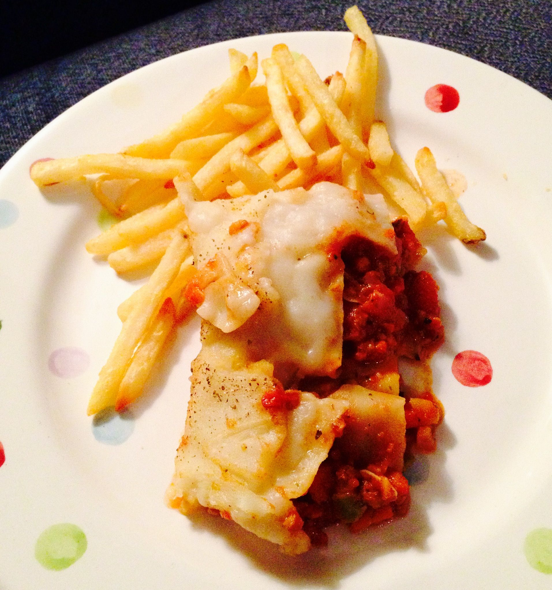 Day 10: Dinner, Vegan lasagne, homemade with Tesco Frozen meat free bolognese mix, egg free lasagne and vegan cheese sauce #vegan #notthesame